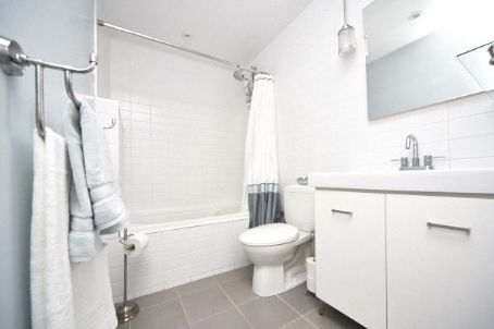 Photo 6: 75 Portland St Unit #325 in Toronto: Waterfront Communities C1 Condo for sale (Toronto C01)  : MLS(r) # C2669482