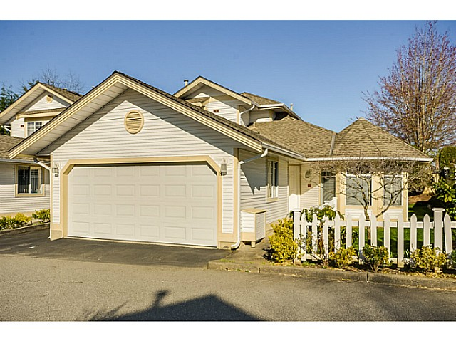 Main Photo: 8 8737 212TH Street in Langley: Walnut Grove Townhouse for sale : MLS®# F1408316