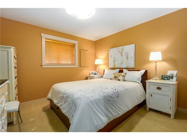 Photo 18: 833 W 19TH Avenue in Vancouver: Cambie House 1/2 Duplex for sale (Vancouver West)  : MLS(r) # V1062869