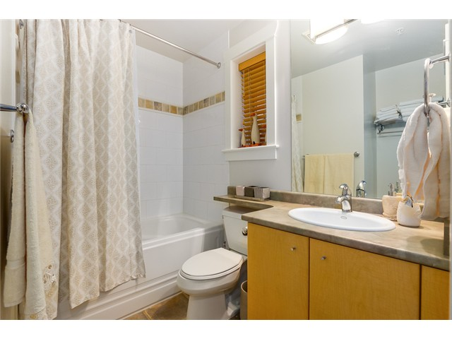 Photo 19: 833 W 19TH Avenue in Vancouver: Cambie House 1/2 Duplex for sale (Vancouver West)  : MLS(r) # V1062869