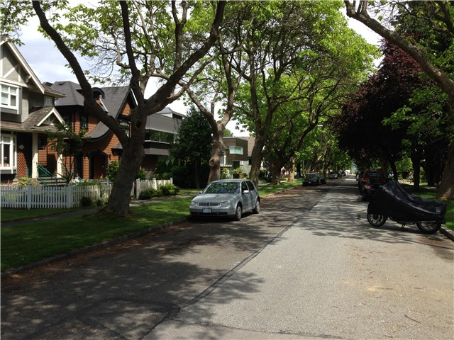 Photo 3: 4693 W 9TH Avenue in Vancouver: Point Grey House for sale (Vancouver West)  : MLS(r) # V1070935