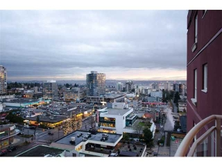 "Main Photo: 1404 121 W 15TH Street in North Vancouver: Central Lonsdale Condo for sale in ""ALEGRIA"" : MLS® # V1102580"