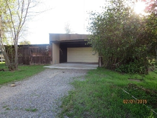 Main Photo: RAMONA House for sale : 3 bedrooms : 1247 Barnett Rd