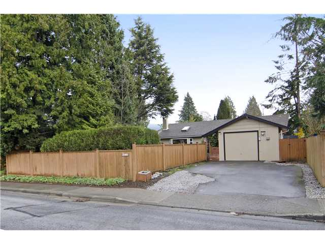 Photo 3: 2166 MOUNTAIN Highway in North Vancouver: Westlynn House for sale : MLS® # V1111055