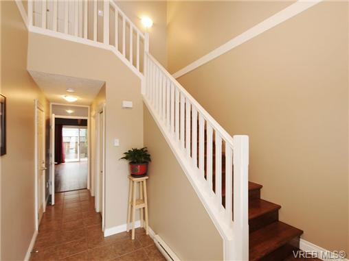 Photo 9: 985 Huckleberry Terrace in VICTORIA: La Happy Valley Single Family Detached for sale (Langford)  : MLS(r) # 349960