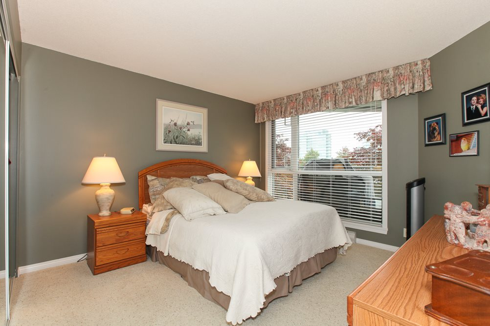 "Photo 9: 216 5860 DOVER Crescent in Richmond: Riverdale RI Condo for sale in ""LIGHTHOUSE PLACE"" : MLS® # R2000701"