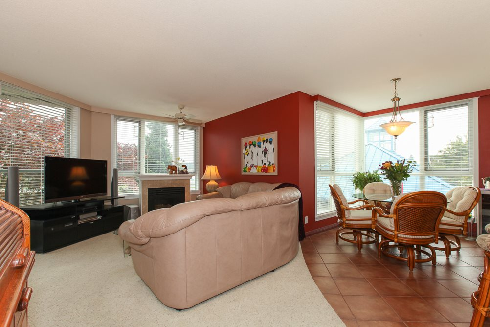 "Photo 3: 216 5860 DOVER Crescent in Richmond: Riverdale RI Condo for sale in ""LIGHTHOUSE PLACE"" : MLS® # R2000701"