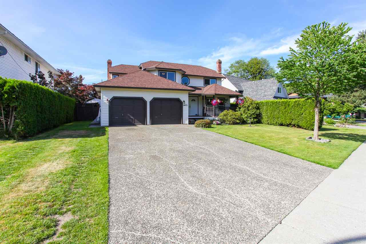 Photo 2: 14621 86A Avenue in Surrey: Bear Creek Green Timbers House for sale : MLS® # R2078555