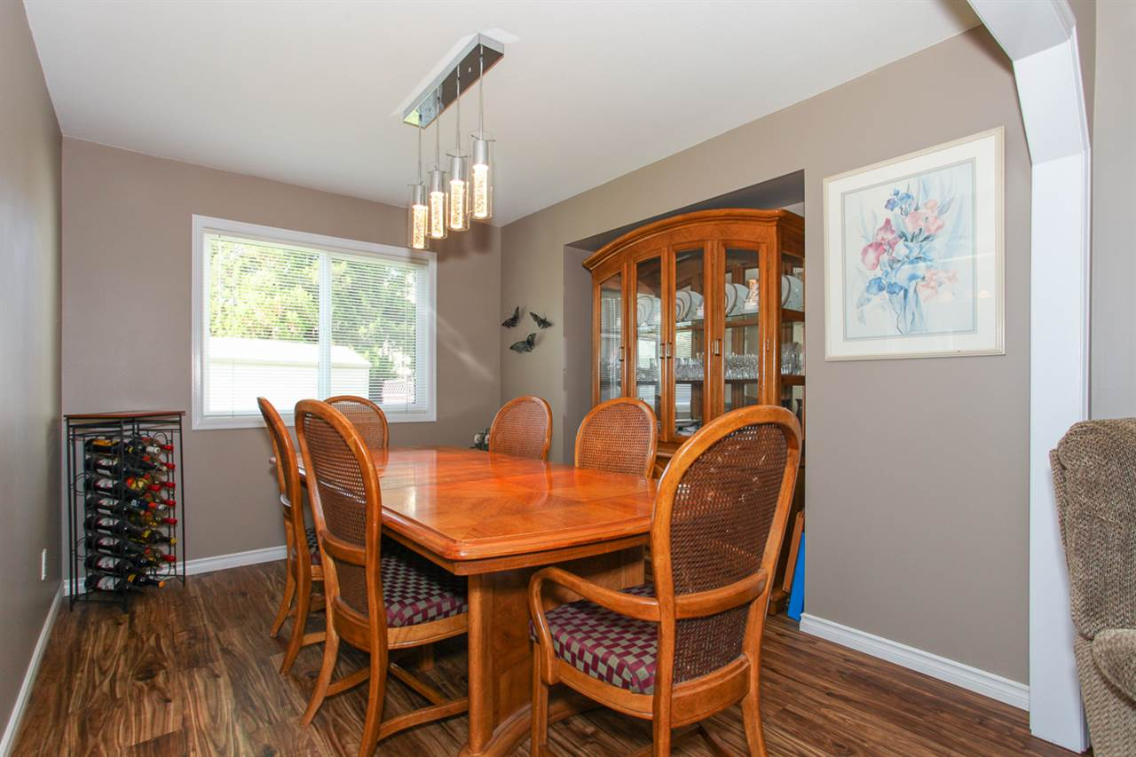 Photo 5: 14621 86A Avenue in Surrey: Bear Creek Green Timbers House for sale : MLS® # R2078555