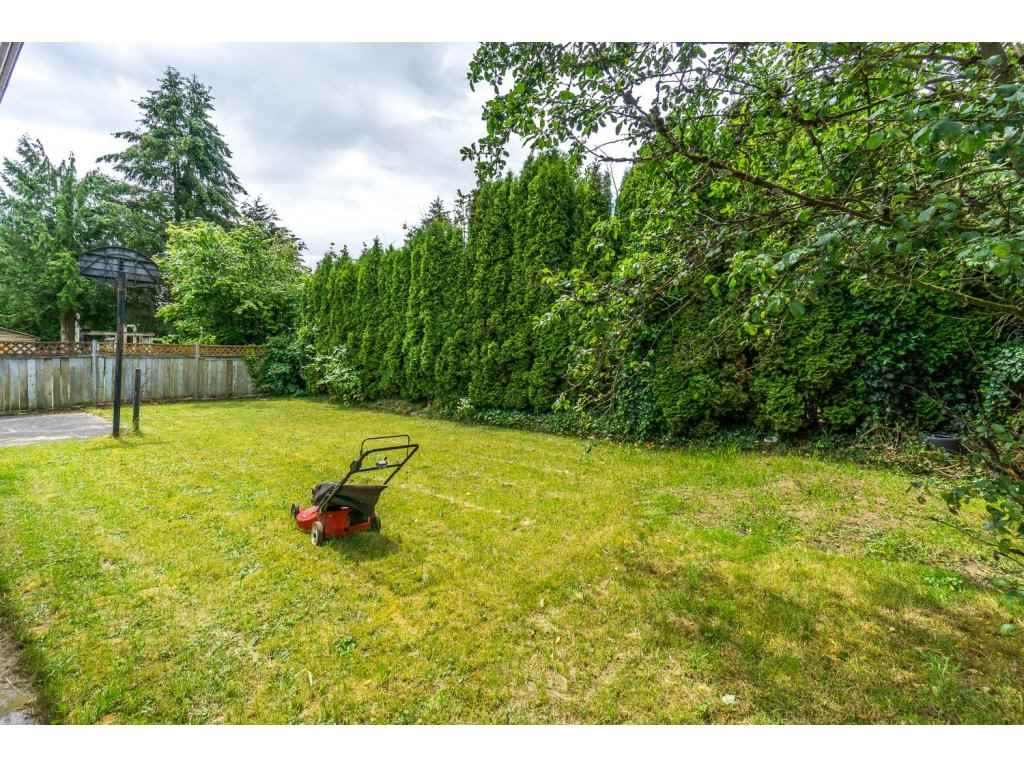 Photo 20: 2325 BEDFORD Place in Abbotsford: Abbotsford West House for sale : MLS® # R2085946