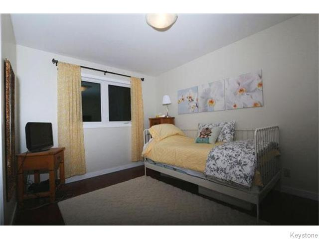 Photo 12: 241 EVELINE Street in Selkirk: R14 Residential for sale : MLS® # 1624447