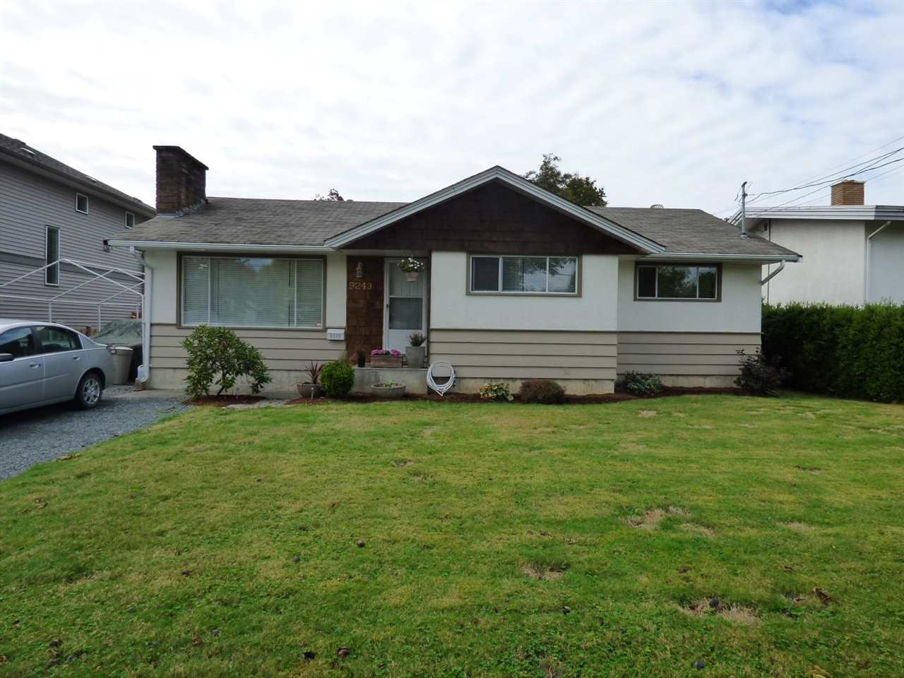 Main Photo: 9243 MCNAUGHT Road in Chilliwack: Chilliwack E Young-Yale House for sale : MLS(r) # R2111829