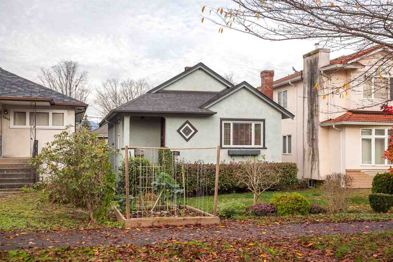 "Main Photo: 2859 GRAVELEY Street in Vancouver: Renfrew VE House for sale in ""RENFREW"" (Vancouver East)  : MLS® # R2123000"