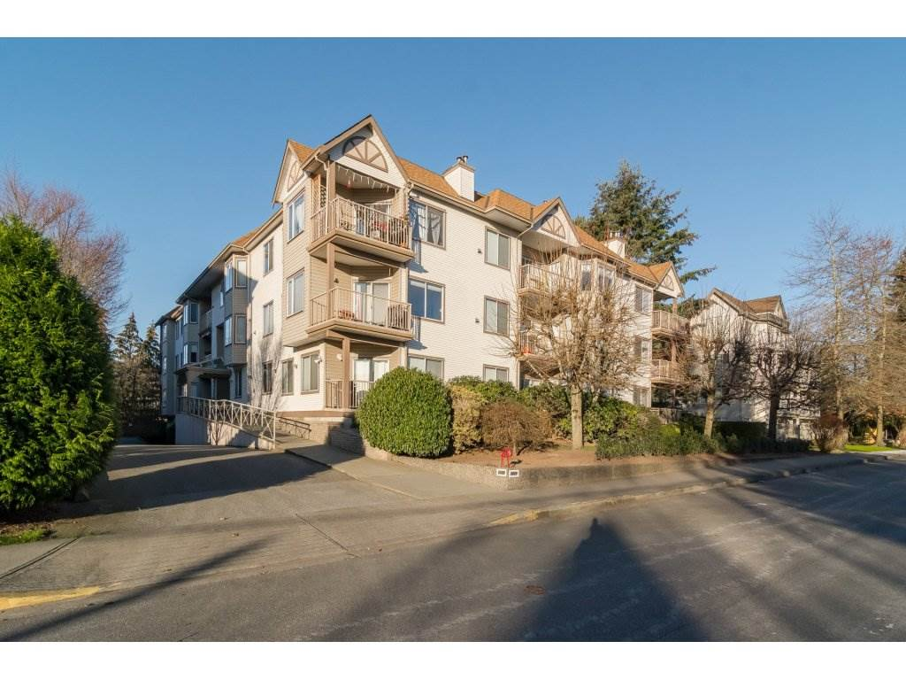"Main Photo: 105 5489 201 Street in Langley: Langley City Condo for sale in ""CANIM COURT"" : MLS(r) # R2127133"