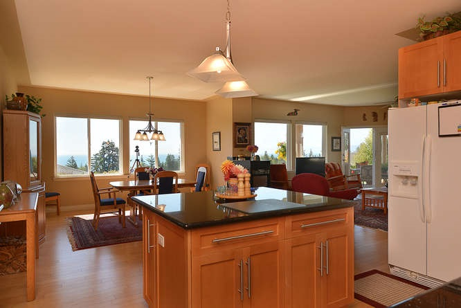 "Photo 9:  in Sechelt: Sechelt District House for sale in ""WEST SECHELT"" (Sunshine Coast)  : MLS(r) # R2135798"