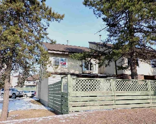 Main Photo: 1A MEADOWLARK Village in Edmonton: Zone 22 Townhouse for sale : MLS(r) # E4053108