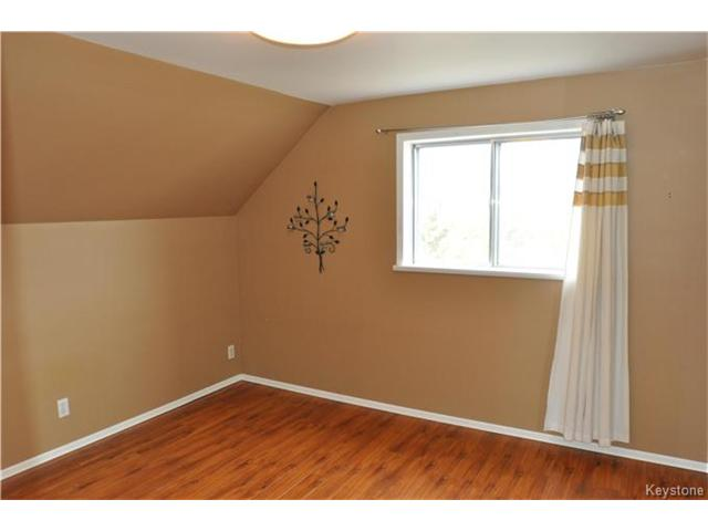 Photo 6: 22 Macdonald Street in Starbuck: RM of MacDonald Residential for sale (R08)  : MLS(r) # 1706931