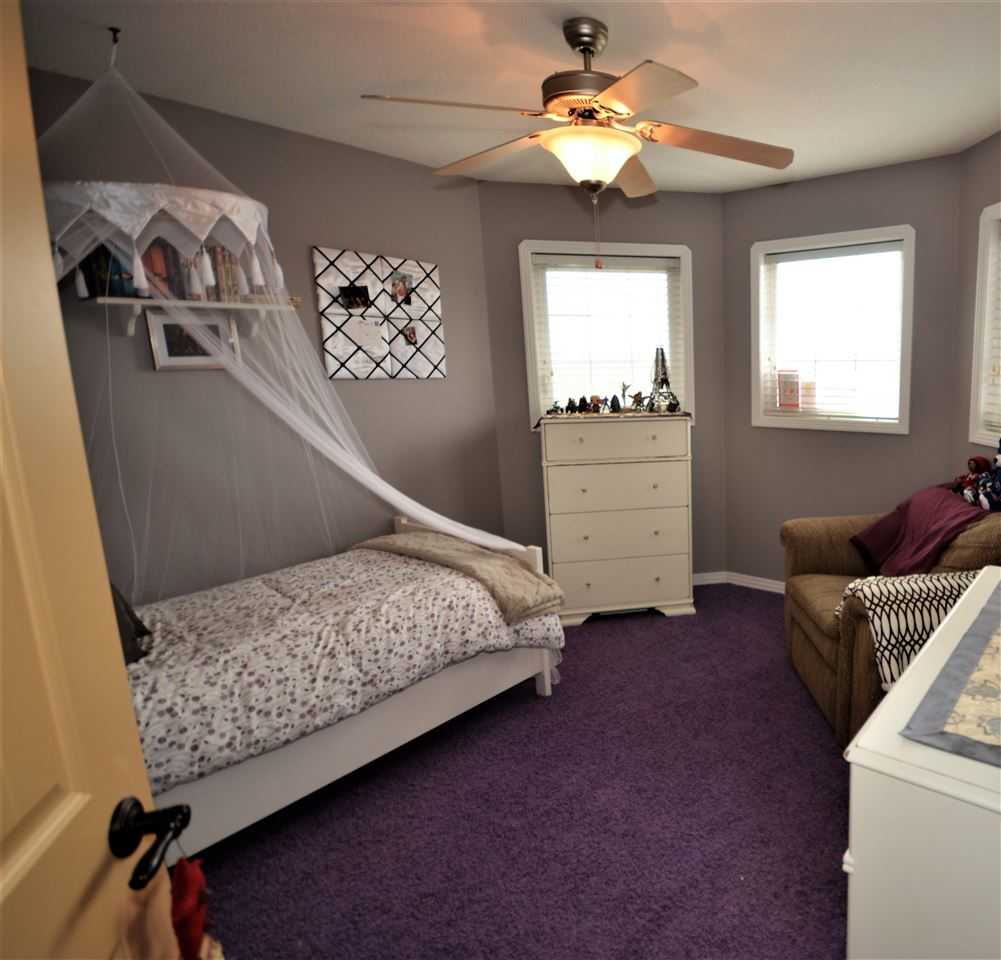 Upstairs Bedroom with 4 Piece Ensuite and Walk-In Closet