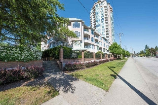 Main Photo: 305W 3061 GLEN Drive in Coquitlam: North Coquitlam Condo for sale : MLS(r) # R2169369