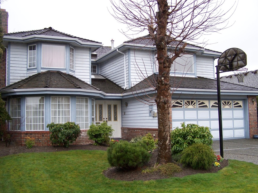Main Photo: 6340 HOLLY PARK Drive in Ladner: Home for sale : MLS® # V933424
