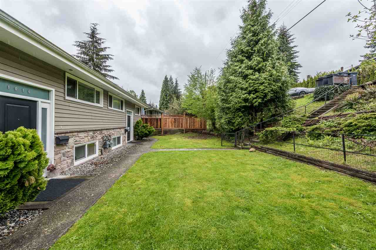 Photo 2: 1014 1016 TUXEDO Drive in Port Moody: College Park PM House Duplex for sale : MLS(r) # R2175326