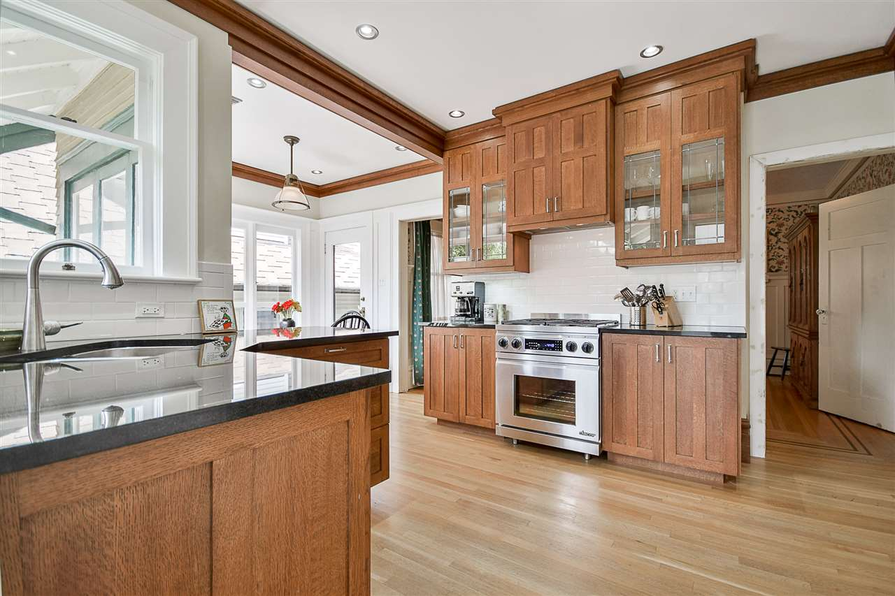 "Photo 8: 7125 FREDERICK Avenue in Burnaby: Metrotown House for sale in ""METROTOWN"" (Burnaby South)  : MLS(r) # R2177498"