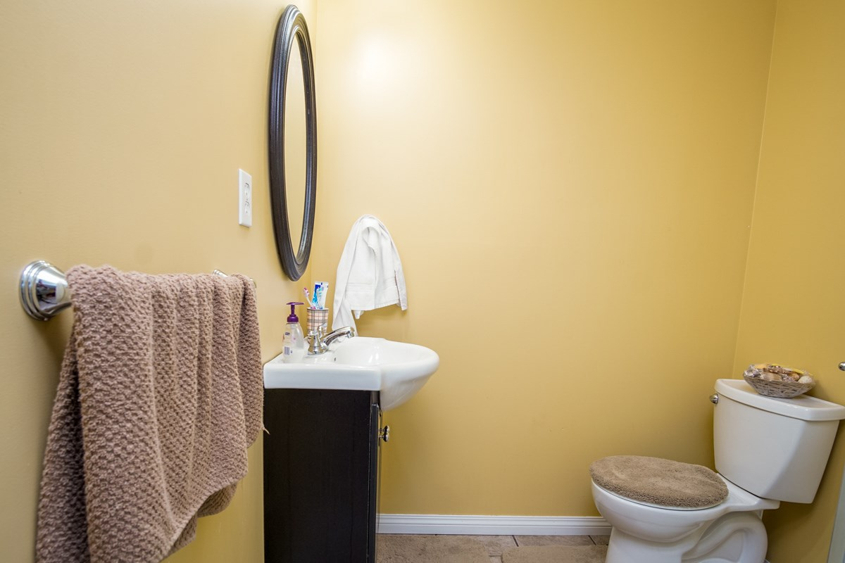Photo 18: 31466 UPPER MACLURE Road in Abbotsford: Abbotsford West House for sale : MLS® # R2179311