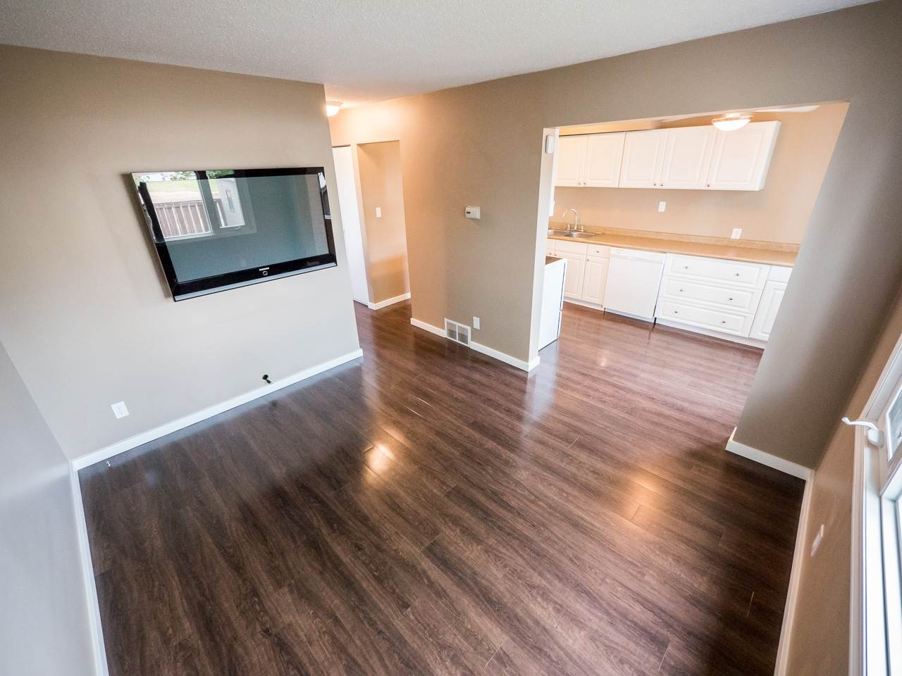 Main Photo: 7 14240 80 Street in Edmonton: Zone 02 Townhouse for sale : MLS® # E4072640