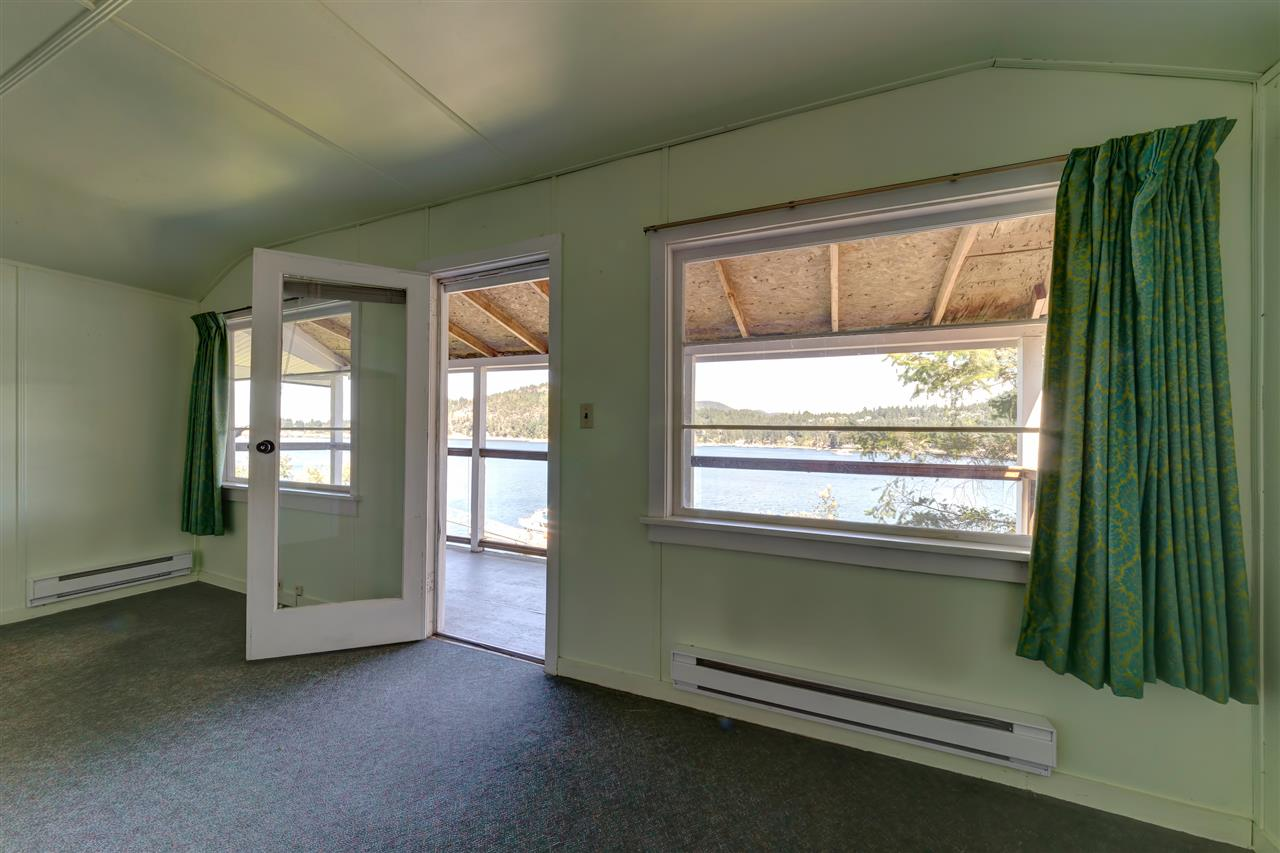 Photo 14: Photos: 13038 HASSAN Road in Madeira Park: Pender Harbour Egmont House for sale (Sunshine Coast)  : MLS®# R2187196