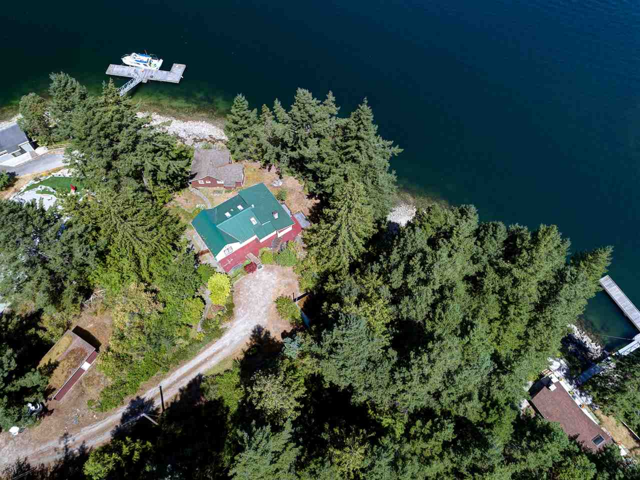 Photo 1: Photos: 13038 HASSAN Road in Madeira Park: Pender Harbour Egmont House for sale (Sunshine Coast)  : MLS®# R2187196