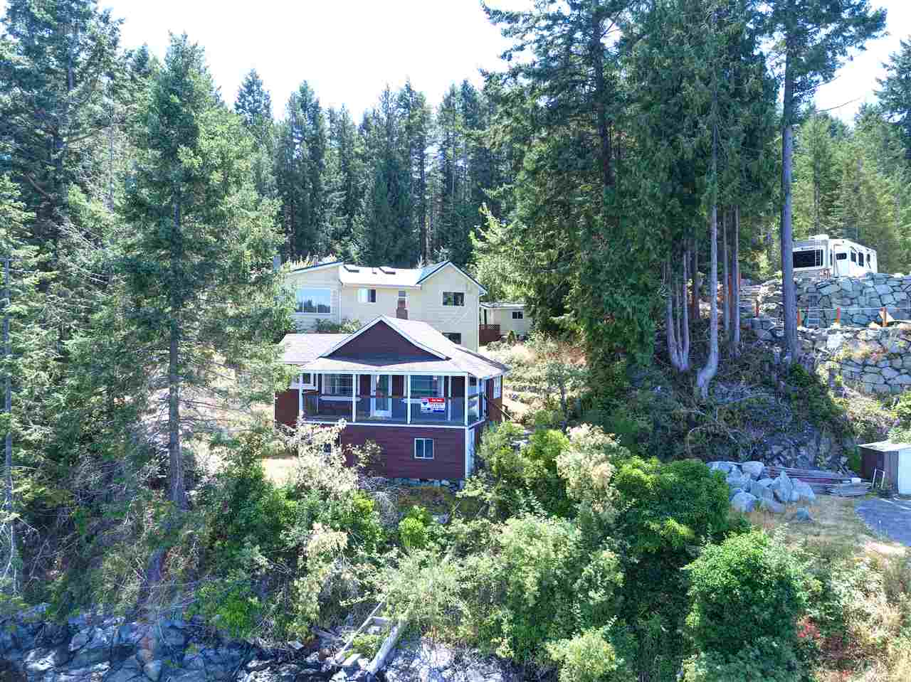 Photo 2: Photos: 13038 HASSAN Road in Madeira Park: Pender Harbour Egmont House for sale (Sunshine Coast)  : MLS® # R2187196