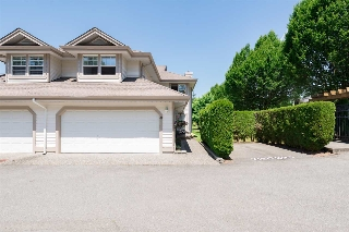 "Main Photo: 61 9025 216 Street in Langley: Walnut Grove Townhouse for sale in ""COVENTRY WOODS"" : MLS(r) # R2189770"