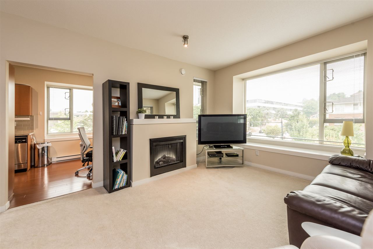 "Photo 2: 410 4728 DAWSON Street in Burnaby: Brentwood Park Condo for sale in ""MONTAGE"" (Burnaby North)  : MLS® # R2194962"