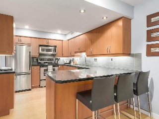 Main Photo: 1942 GOLETA Drive in Burnaby: Montecito Townhouse for sale (Burnaby North)  : MLS® # R2198772