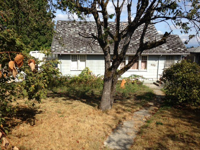 Main Photo: 909 KENT Street in New Westminster: The Heights NW House for sale : MLS® # R2204172