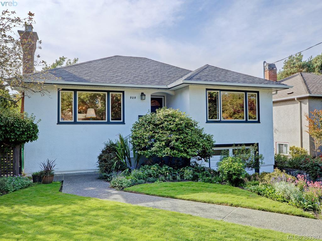 Main Photo: 920 Newport Avenue in VICTORIA: OB South Oak Bay Single Family Detached for sale (Oak Bay)  : MLS® # 383387