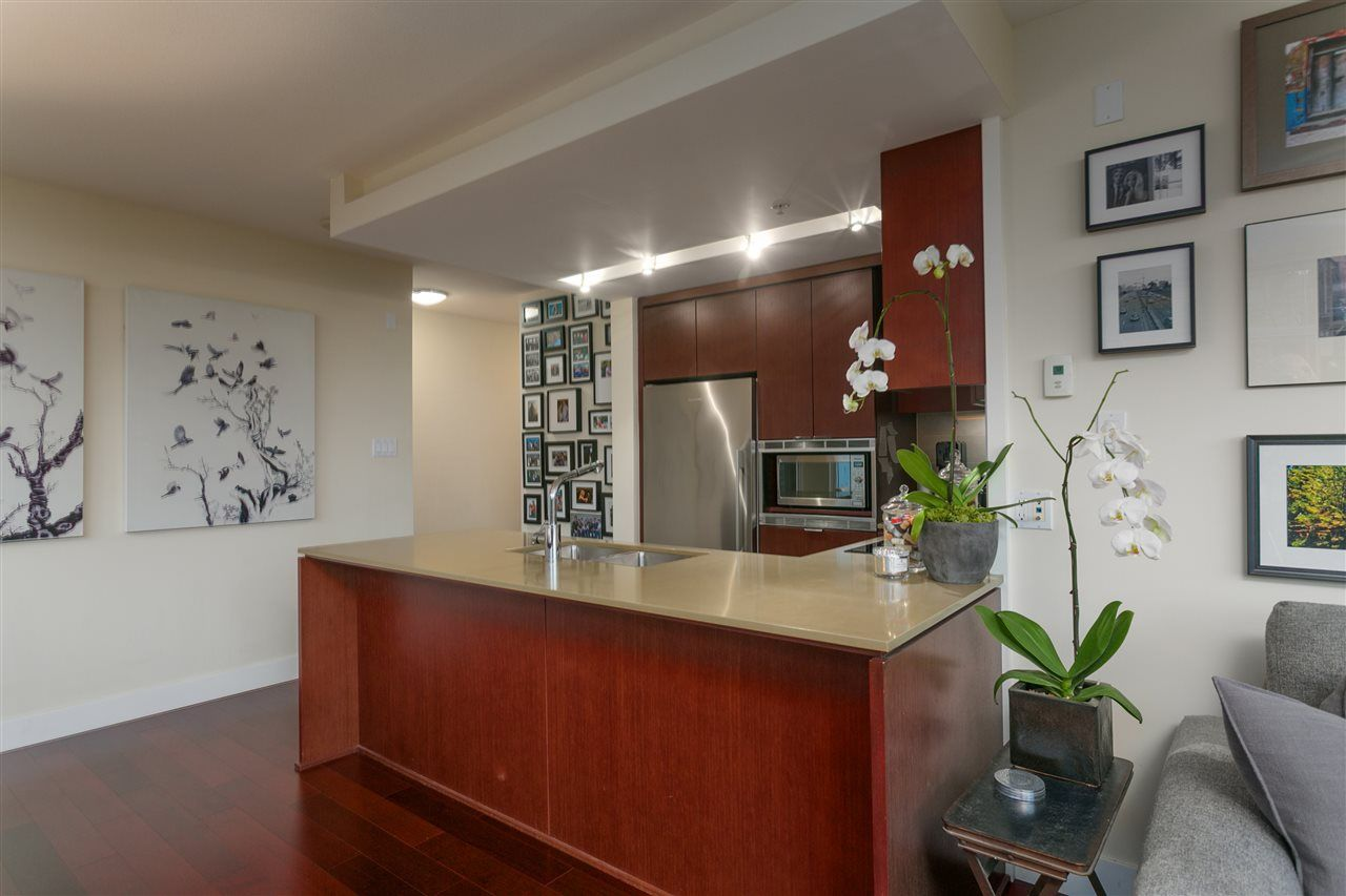 Photo 2: Photos: 103 1320 CHESTERFIELD Avenue in North Vancouver: Central Lonsdale Condo for sale : MLS® # R2235108