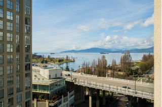 "Main Photo: 1402 907 BEACH Avenue in Vancouver: Yaletown Condo for sale in ""Coral Court"" (Vancouver West)  : MLS®# R2252973"