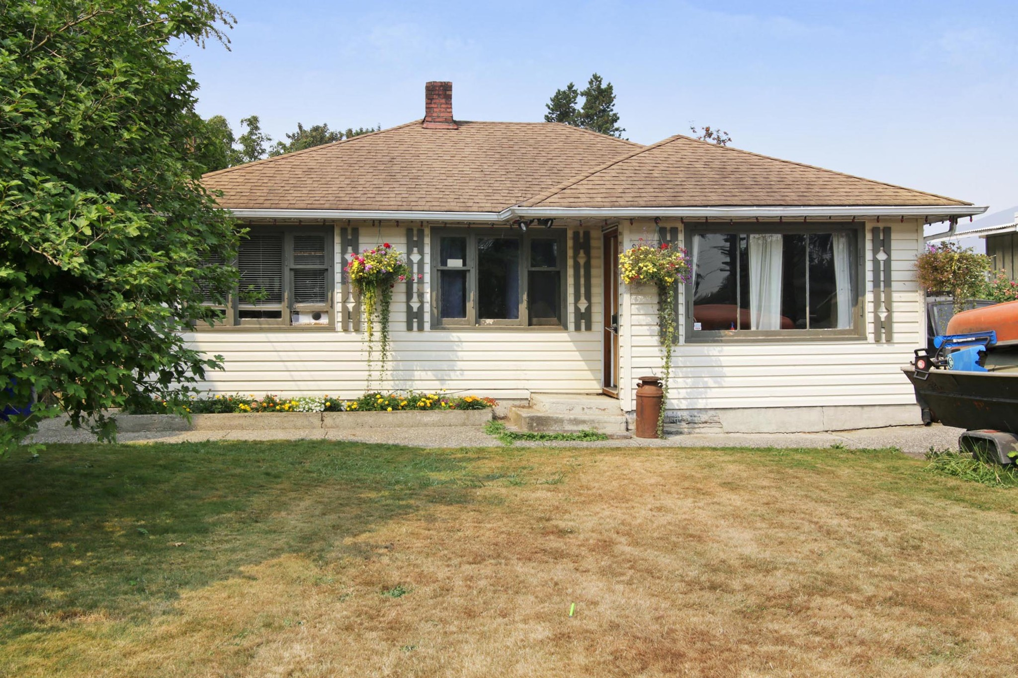 Main Photo: 9525 COOTE Street in Chilliwack: Chilliwack E Young-Yale House for sale : MLS®# R2294376