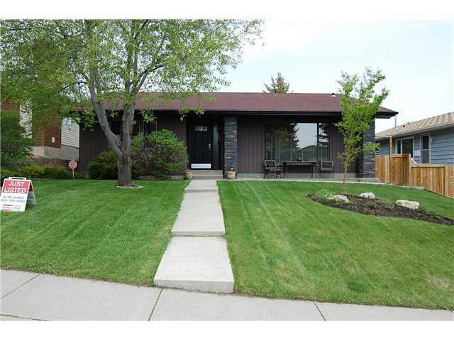 Photo 1: Photos: 332 Parkridge Way SE in CALGARY: Parkland House for sale (Calgary)  : MLS(r) # C3493135