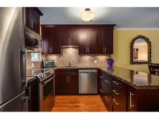 Main Photo: 2304 Vine Street in Vancouver: Kitsilano Townhouse for sale (Vancouver West)  : MLS(r) # V1004332