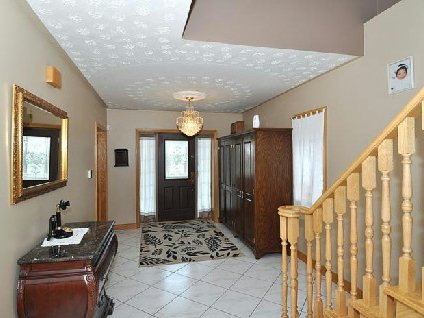 Photo 2: 649 O'connor Dr in Toronto: O'Connor-Parkview Freehold for sale (Toronto E03)  : MLS(r) # E2688704