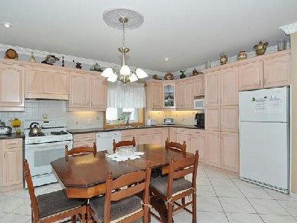 Photo 3: 649 O'connor Dr in Toronto: O'Connor-Parkview Freehold for sale (Toronto E03)  : MLS(r) # E2688704
