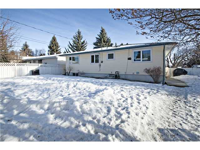 Photo 19: 6043 LAKEVIEW Drive SW in CALGARY: Lakeview Residential Detached Single Family for sale (Calgary)  : MLS® # C3604222