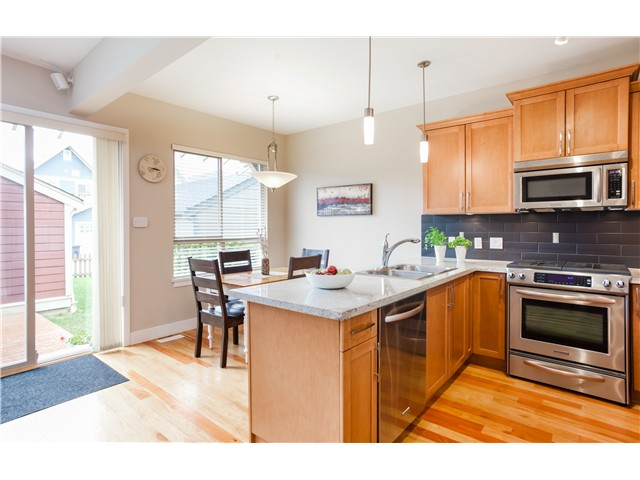Photo 7: 230 FURNESS Street in New Westminster: Queensborough House for sale : MLS® # V1061488