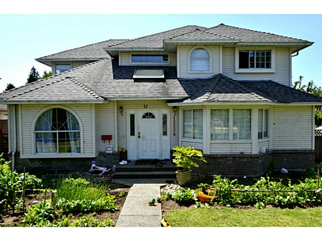 Main Photo: 12220 64TH Avenue in Surrey: Panorama Ridge House for sale : MLS®# F1415420