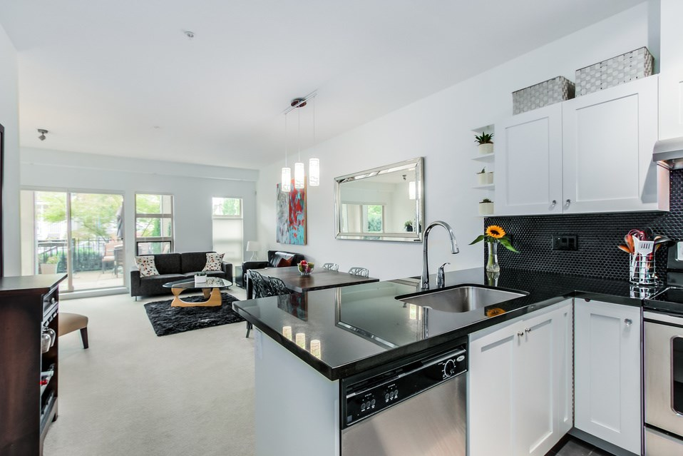 "Photo 8: 119 738 E 29TH Avenue in Vancouver: Fraser VE Condo for sale in ""CENTURY"" (Vancouver East)  : MLS(r) # R2003919"