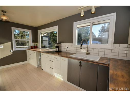 Photo 10: 540 Treanor Avenue in VICTORIA: La Thetis Heights Single Family Detached for sale (Langford)  : MLS® # 358976