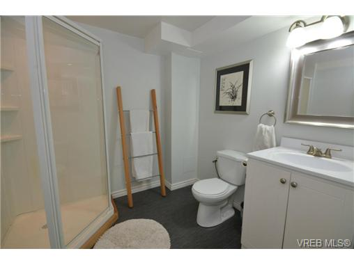 Photo 3: 540 Treanor Avenue in VICTORIA: La Thetis Heights Single Family Detached for sale (Langford)  : MLS® # 358976