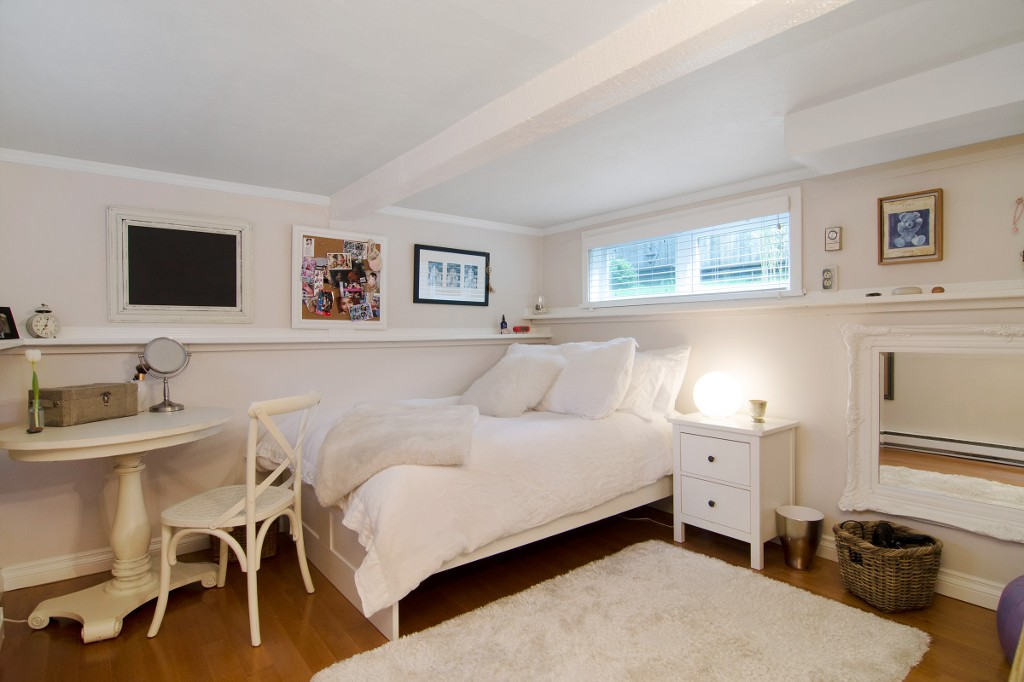Photo 13: 370 W QUEENS Road in North Vancouver: Upper Lonsdale House for sale : MLS(r) # R2049324